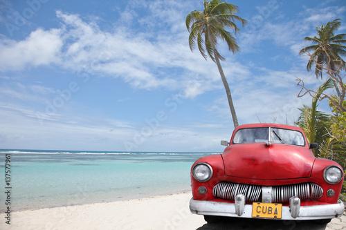 Photo  deux cocotiers pour une cubaine