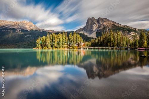 Fotografie, Obraz  Emerald Lake with Emerald Lake Lodge on the little island in Yoho National Park, British Columbia