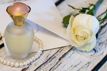 Beautiful White Rose Strin...