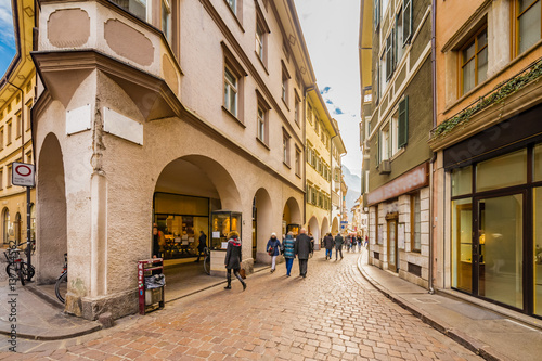 Photo sur Toile Europe Centrale People going shopping in the streets of Bolzano