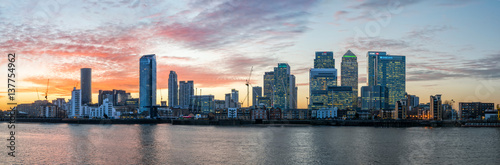 Panorama of Isle of Dogs and Canary Wharf in London at sunset Fototapeta