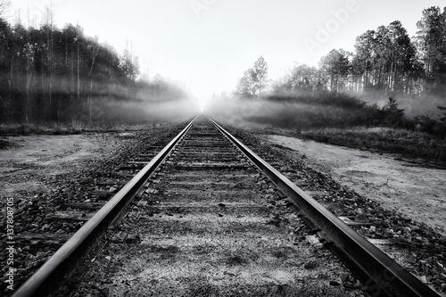 Poster Voies ferrées Abandoned Railroad Tracks into Fog