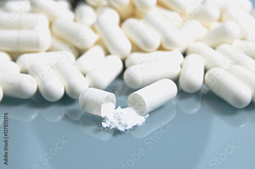Fotografia Creatine pills..