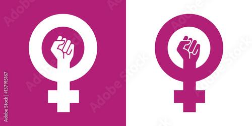 Fotografie, Obraz Icono plano simbolo feminismo con puño violeta y blanco