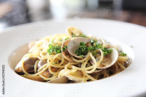 Photo  Spaghetti Vongole , spaghetti with clams and Chilli