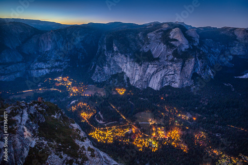 Deurstickers Afrika Yosemite Valley at night, California, USA