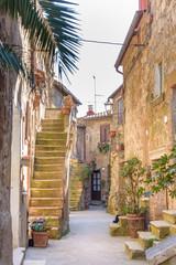 fototapeta stara architektura w Pitigliano