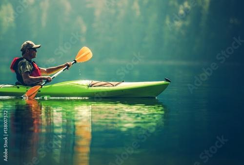 Valokuvatapetti Senior Kayaker on the Lake