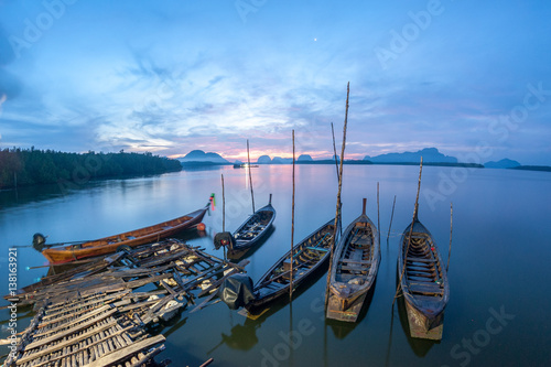 Fotobehang Natuur Park Long tail Boat ,Thailand