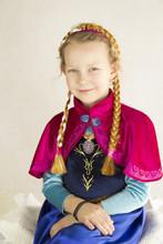 Dziewczynka W Przebraniu Anny ...