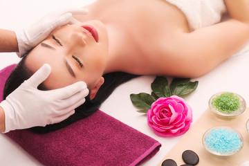 Obraz na płótnie Canvas Masseur doing massage on woman body in the spa salon. Beauty treatment concept