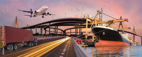 Photo  Panorama transport and logistic concept by truck boat plane for logistic Import