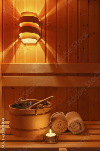 Obraz na plátně  Wellness und Spa in der Sauna