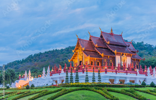 Edifice religieux thai style building in Royal Flora temple .