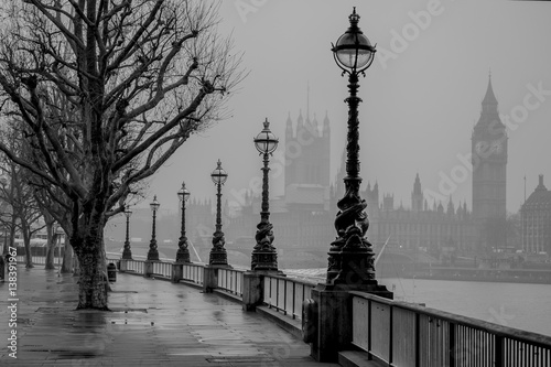 Valokuva London, Big Ben, Houses of Parliament and Westminster of a foggy Winter's morning