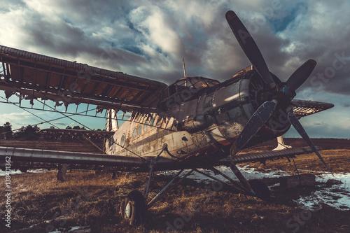stary-dwuplatowy-transportowiec-radziecki-an-2