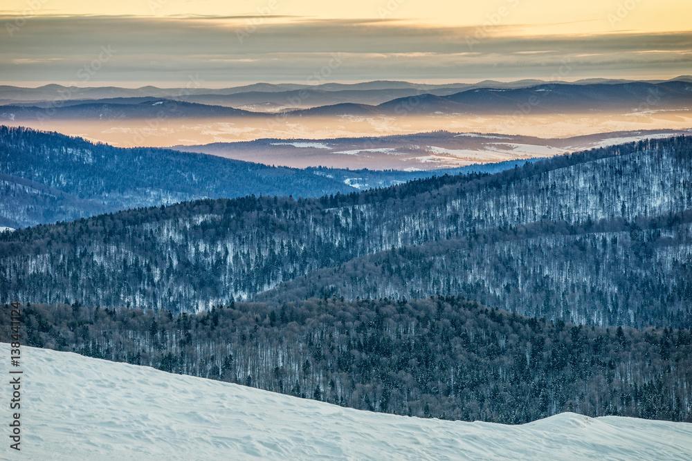 Fototapety, obrazy: Bieszczady w zimie, piękny wschód słońca