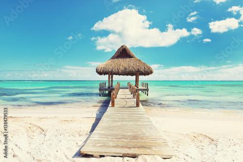 Fotografía Tropical white sandy beach