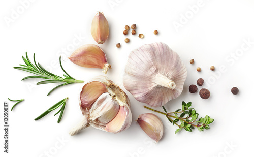 Fotografía  garlic and herbs on white background