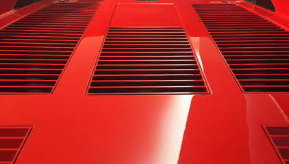 Talijanski Red Car Bonnet