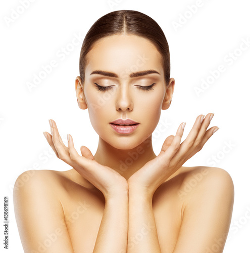 Fotografía  Woman Face Hands Beauty, Skin Care Makeup Eyes Closed, Beautiful Natural Make Up