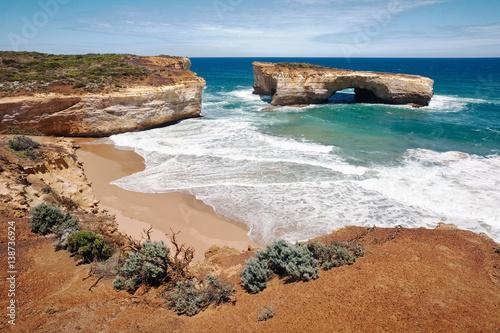Fotografía The spectacular cliffs of the Great Ocean Road, Island Archway, Victoria, Australia