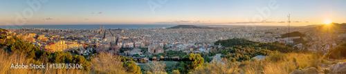 Plakat Panorama Barcelona od góry Tibidabo przy zmierzchem