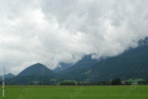 Poster Onweer góry w chmurach