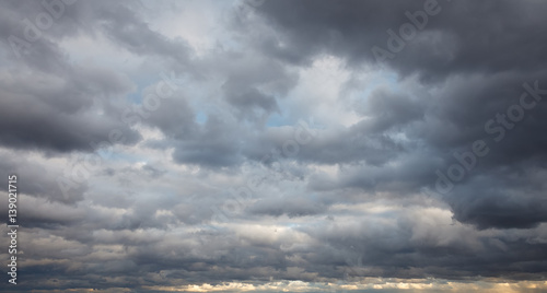 Fotografia Natural background: dark stormy sky