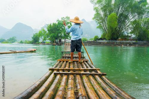 Tuinposter China Traditional bamboo raft on Li River, Yangshuo, Guangxi, China