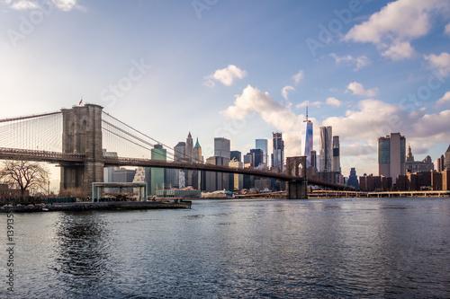 Spoed Fotobehang Brooklyn Bridge Brooklyn Bridge and Manhattan Skyline - New York, USA
