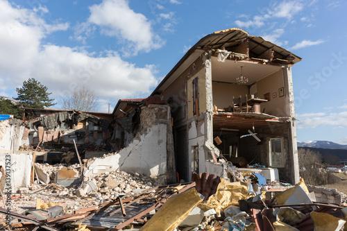 Fotografie, Obraz Casa distrutta dal terremoto in Norcia, Italia