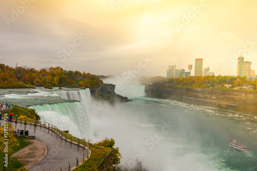Küchenrückwand aus Glas mit Foto Wasserfalle American side of Niagara Falls during sunrise .