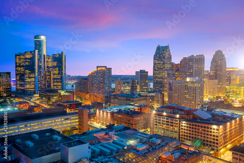 Spoed Foto op Canvas Verenigde Staten Aerial view of downtown Detroit at twilight