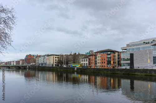 Photo  Apartment buildings along the river Liffey in Dublin, Ireland