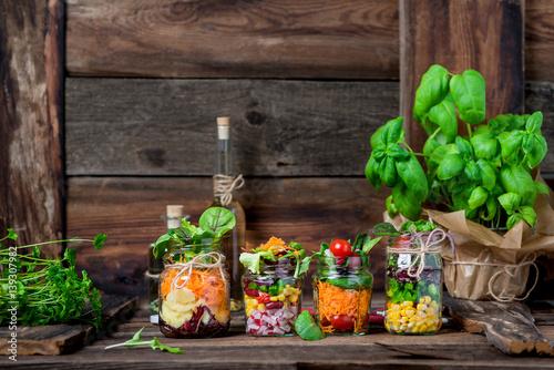 Salat im Glas - Shaking Salad - Trend Essen - Fasten & Diät