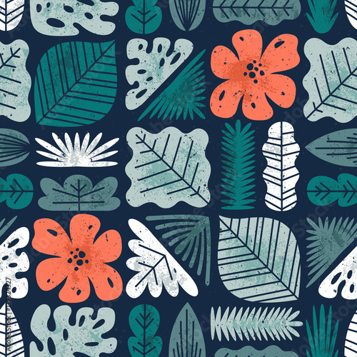 Foto  Tropical leaves seamless pattern. Textured jungle background.