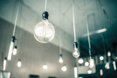 Photo  Beautiful retro luxury  light bulb decor glowing