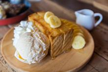 Honey Toast Whit Ice Cream.