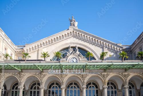 Photo Stands Train Station Paris, gare de l'Est, railway station, facade