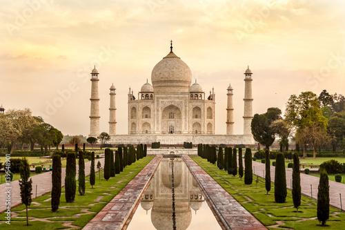 Taj Mahal at sunrise, India Wallpaper Mural