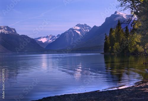 Valokuva  Lake McDonald Reflection Glacier National Park Montana