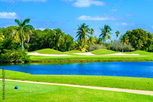 Plakat Piękne pole golfowe