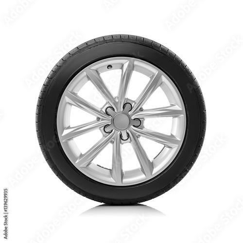Zdjęcie XXL Samochodowy koło na białym tle.