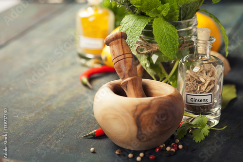 Door stickers Aromatische Herbs and spices with Mortar and Pestle