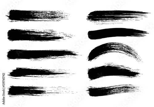 Fotografia, Obraz Set of black paint, ink brush strokes, brushes, lines
