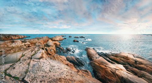 Poster Scandinavie Beautiful panoramic rocky seashore
