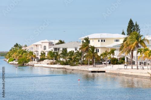 Valokuva  Waterfront villas on one of the island of Florida Keys, USA