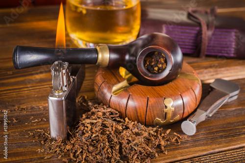 Fototapeta smoking pipe, whiskey obraz na płótnie