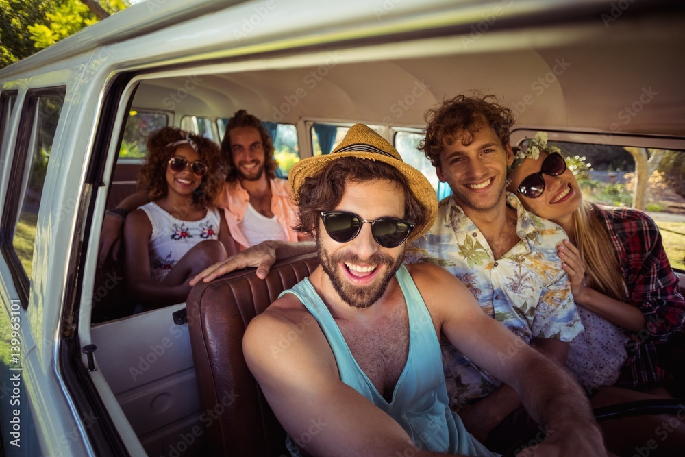 Fototapety, obrazy: Group of friends travelling in campervan